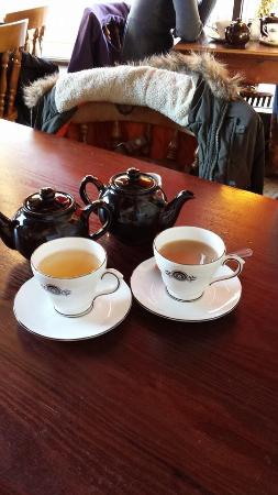 Quilliam Brothers: Earl Grey Special and Yunnan White tea