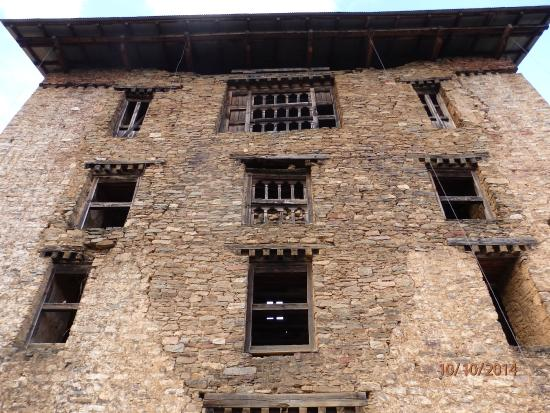 Drukgyel Dzong : Yet another ruin.