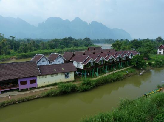Popular View Guesthouse: Vista rio acima.