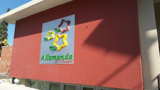 Allamanda Hotel: Building facade (16rooms)