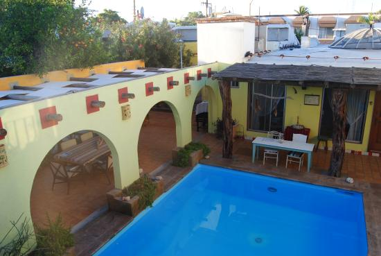 Gemma Inn B&B: Patio con piscina