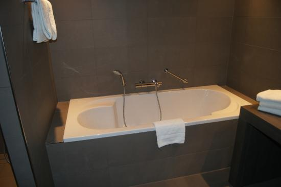 super badkamer - Foto van Van der Valk Hotel Dordrecht, Dordrecht ...