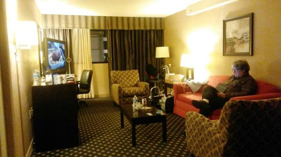 Crowne Plaza Indianapolis Airport: Accessible suite #420