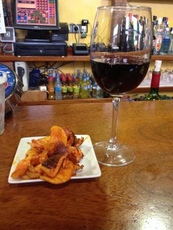 Restaurante El Pradillo: Vino y tapa de pulpo