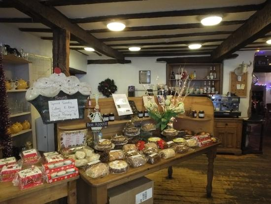 Lunesdale Bakery: The shop, resist the cakes at your peril !