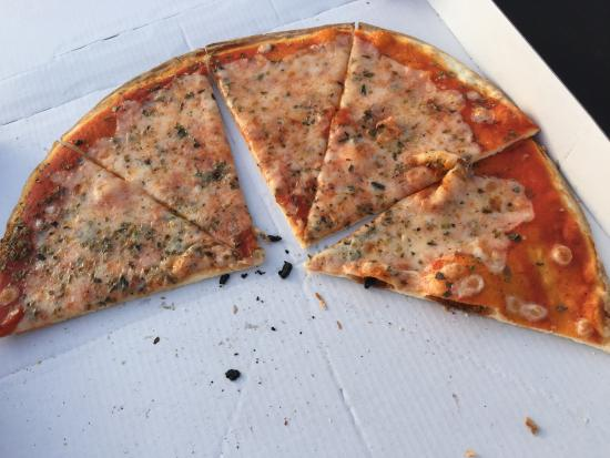 Pizzeria Can Bassetes: disappointing pizza