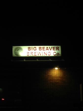 Big Beaver Brewing: The sign at night