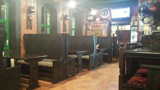 Dublin Irish Pub: Bar