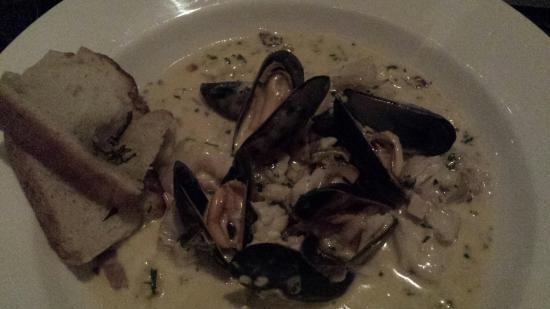 Alfresco Cafe Bar : Rich and creamy chowder - delicious!