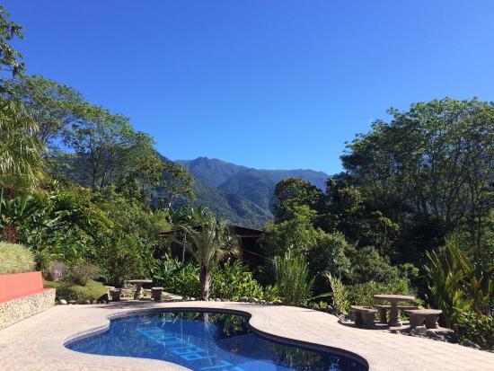Hotel De Montana El Pelicano: Vista desde la piscina.