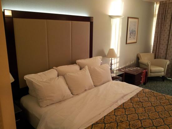 Renaissance Tel Aviv Hotel : Bed