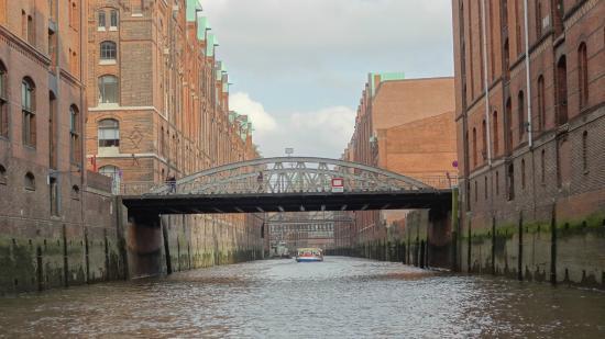 In der Nähe des Hotels - Picture of AMERON Hamburg Hotel ...