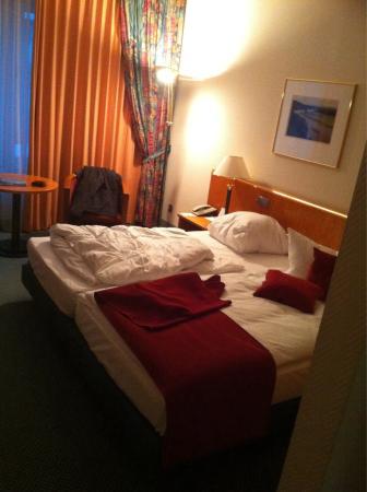 Dorint Hotel Dresden: Doppelzimmer