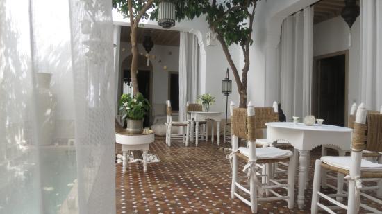 Riad les Orangers d'Alilia Marrakech: Le patio arboré de ses orangers