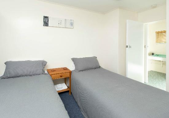 Marina Court Motels And Apartments : 1 bedroom unit (8)