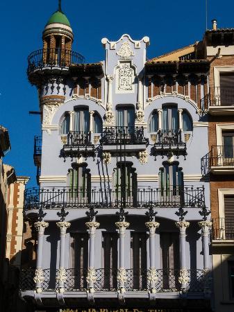 Casa tejidos el torico picture of plaza del torico teruel tripadvisor - La casa del cura teruel ...