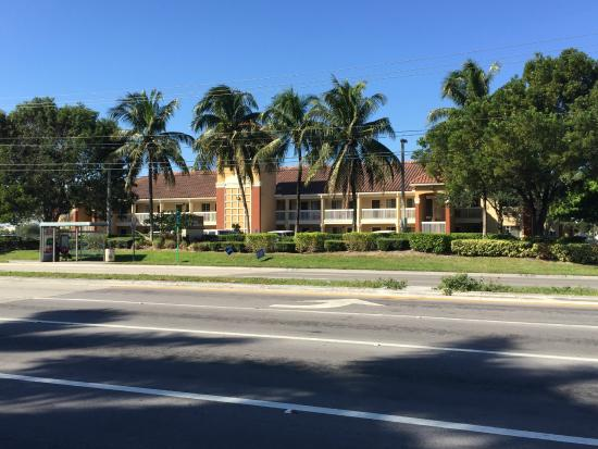 Extended Stay America - Miami - Airport - Doral: View from N/E/C of 87th & 33rd