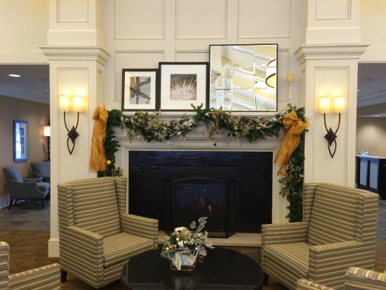 Homewood Suites By Hilton Albany Gas Fireplace In Dining Area