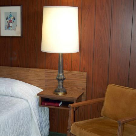 Sunset Motel: Queen Suite
