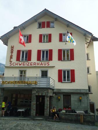 Hotel Schweizerhaus: Linda fachada