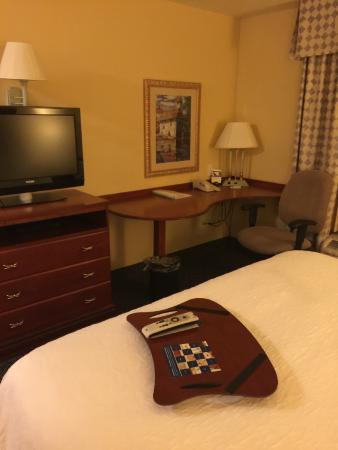 Hampton Inn Logan: Bed room
