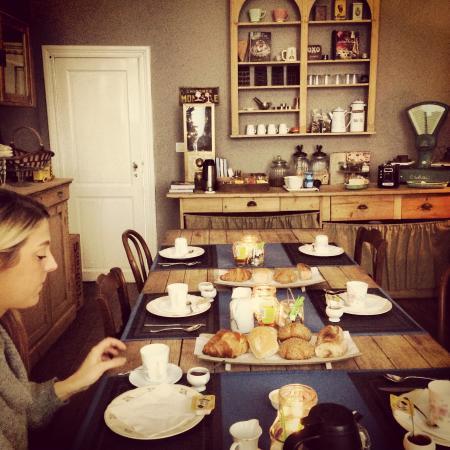 Le Flaneur : Breakfast