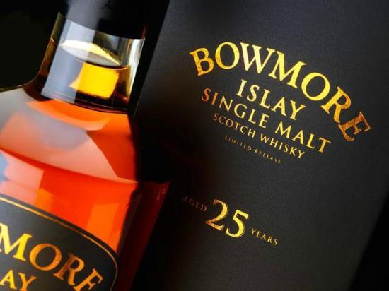 Eau De Vie: Bowmore 25