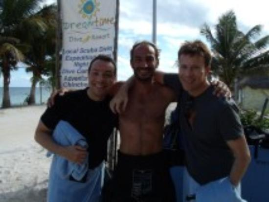 Dreamtime Dive Center : Post-dive snapshot with Malcolm