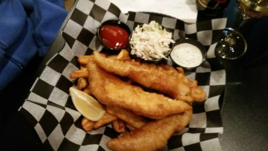 Lola's Seafood Eatery: Fish & chips