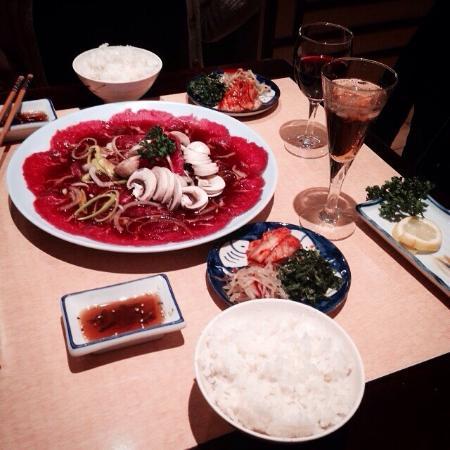 """Niji Express : En fait, C'est la nourriture de Corée """"bulgogi"""". C'est la nourriture japonaise ne est pas. Mais"""