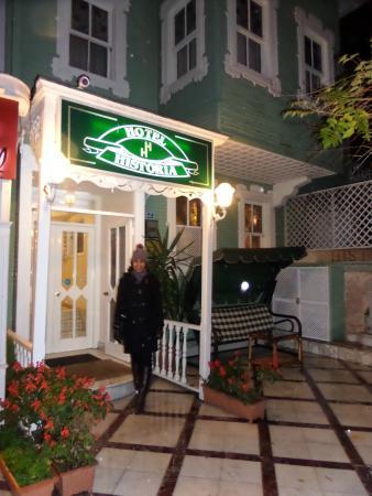 Historia Hotel : Street Entrance