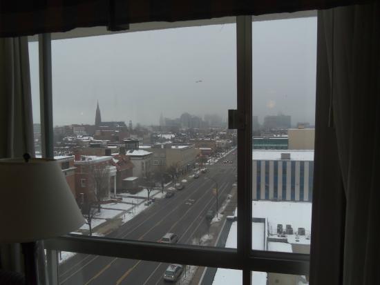 Holiday Inn Buffalo Downtown: Looking towards DT Buffalo