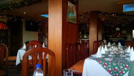 Esteban Grill Steak House: inside