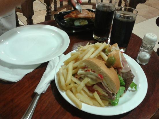 Amsterdam: una cena rapida, de promocion, barata y rico en el hotel