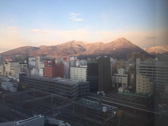 HOTEL Mielparque Nagano: morning view from  11th'Bathroom