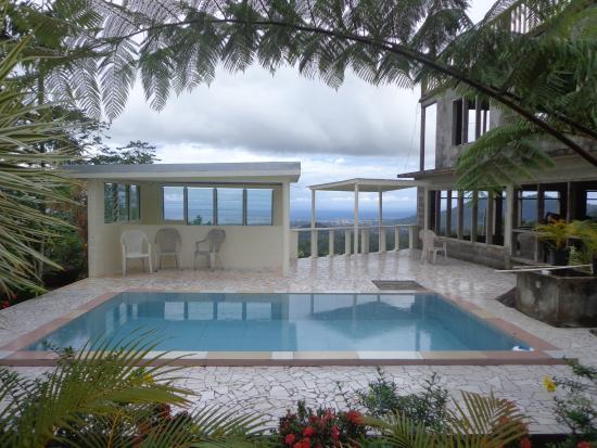 Dave Parker Eco Lodge: Pool
