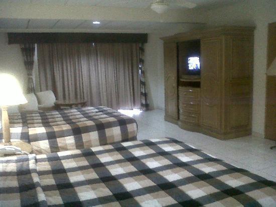 Las Cumbres Hotel & Water Park: Habitacion 01