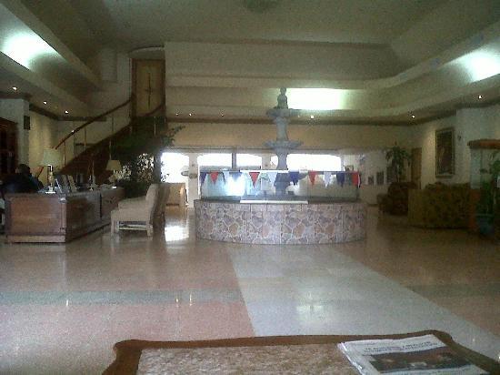 Las Cumbres Hotel & Water Park: Lobby del hotel