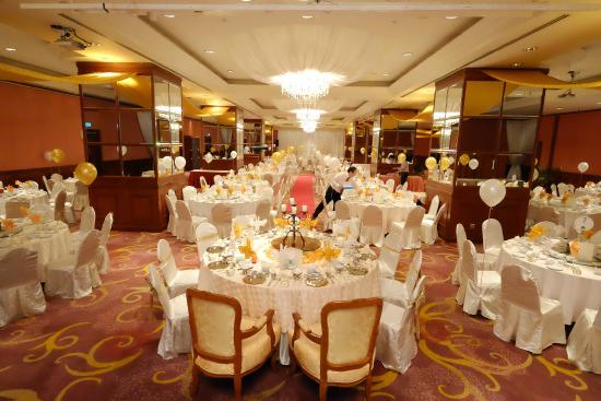 Banquet hall picture of evergreen laurel hotel george town evergreen laurel hotel banquet hall junglespirit Choice Image