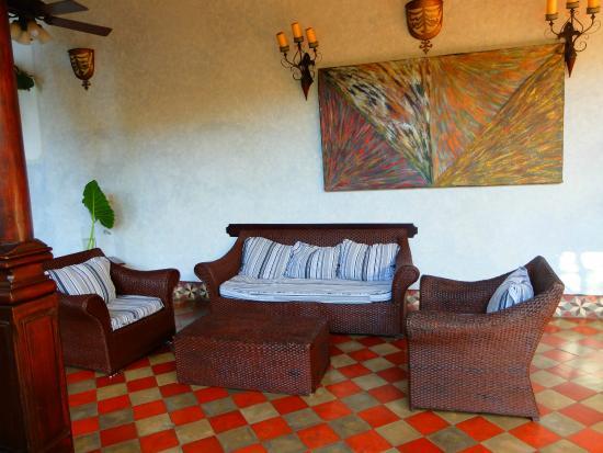 Hotel Dario: Comfortable seating area