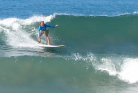 Nosara Tico Surf School : Woo hoo, look at me go!