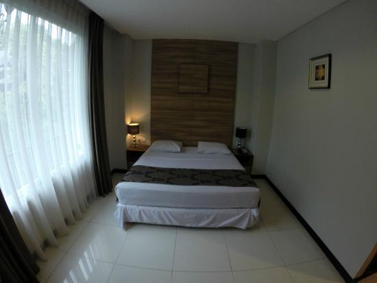Royal Hotel: Single Bed