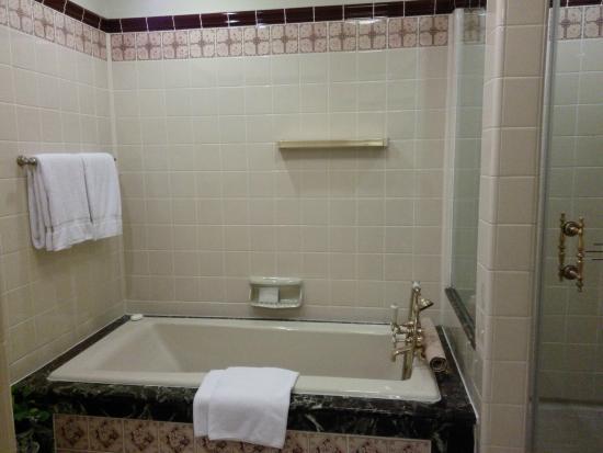 4x4 Ceramic Tile >> Decades Old 4x4 Ceramic Tile Picture Of Raffles Hotel