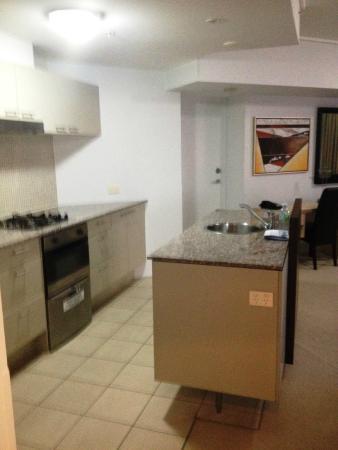 Oaks Aurora : Kitchen