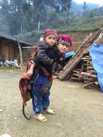 Ms. May Kieu's Homestay: Kids at Taphin village - so cute
