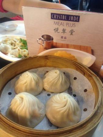 Crystal Jade: Steamed meat dumpling... Delicious!