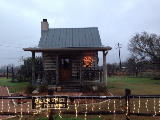 Chuckwagon Inn Bed & Breakfast: Bolinger Cabin decorated for Christmas!