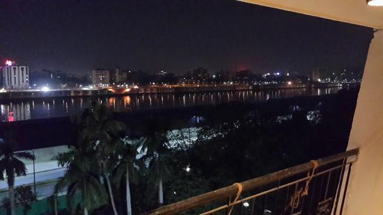 Cama Hotel: Sabarmati view at night