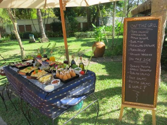 Sunday barbecue picture of sofitel angkor phokeethra for Barbecue sunday