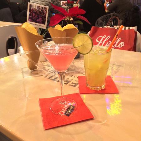 Cosmopolitan & japanese iced tea - Foto di Terrazza Aperol, Milano ...
